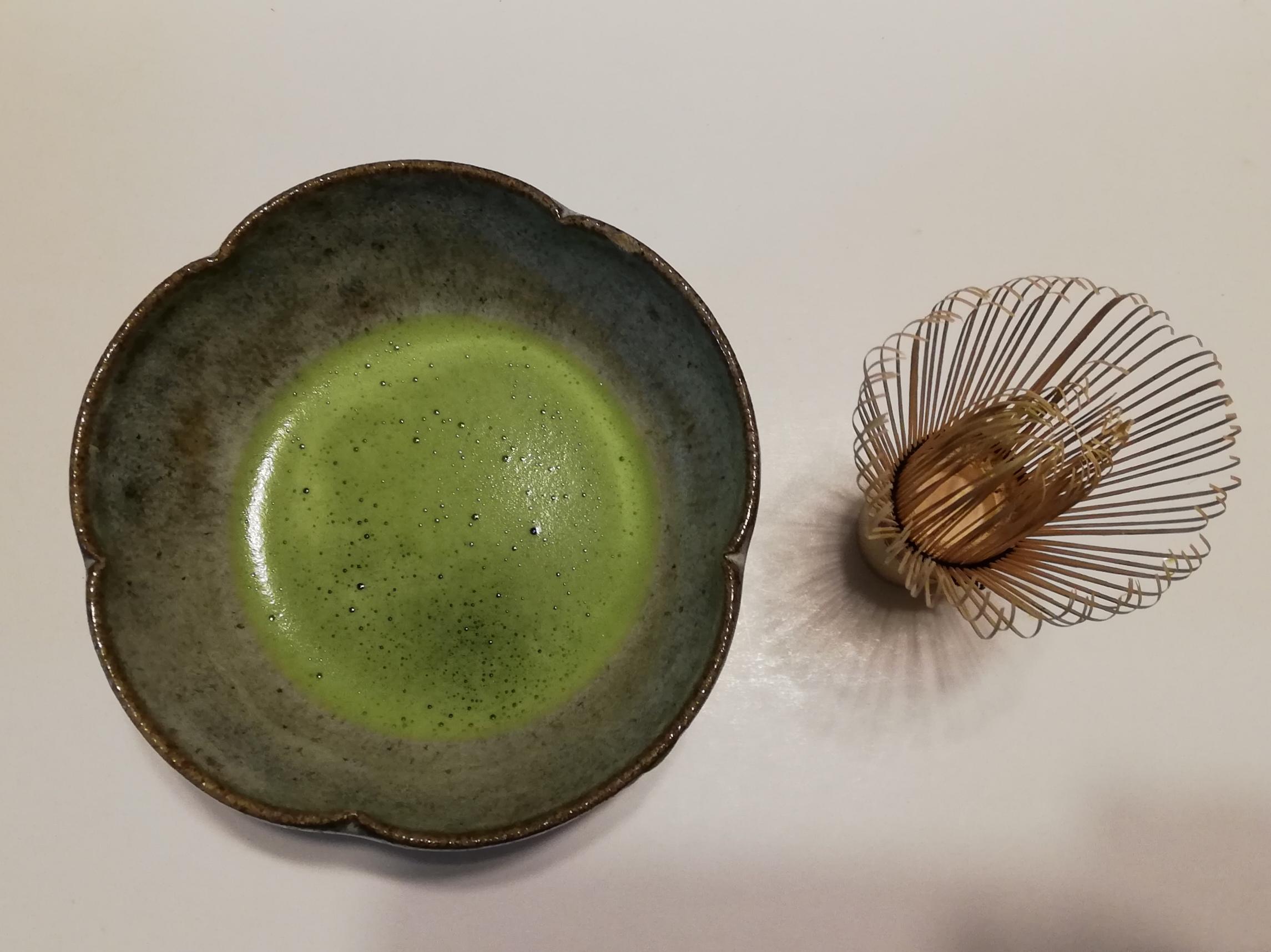 抹茶と茶筅